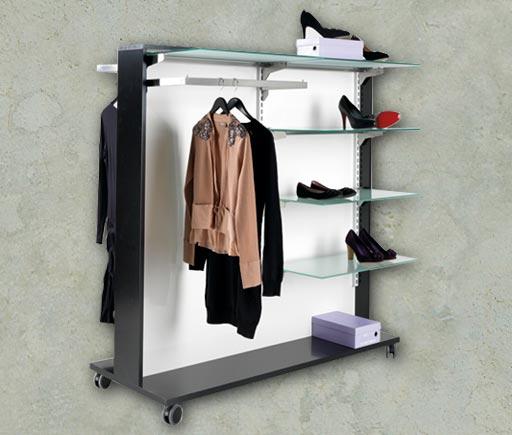 Butiksmannequiner og butiksinventar