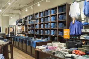 Koncept butik med speciel lavet butiksinventar og butiksindretning