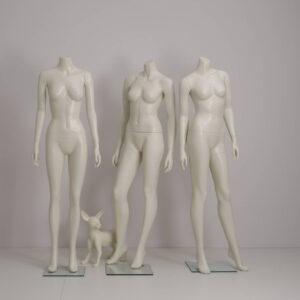 hovedløse dame mannequiner