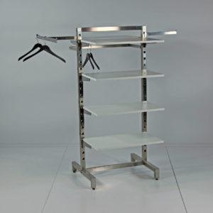 Gulvstativet kan bestykkes med fronthæng og sidehæng på alle 4 sider. Butiksinventar
