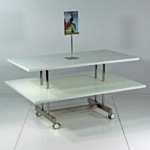 Salgsbord med 2 plader. Butiksinventar
