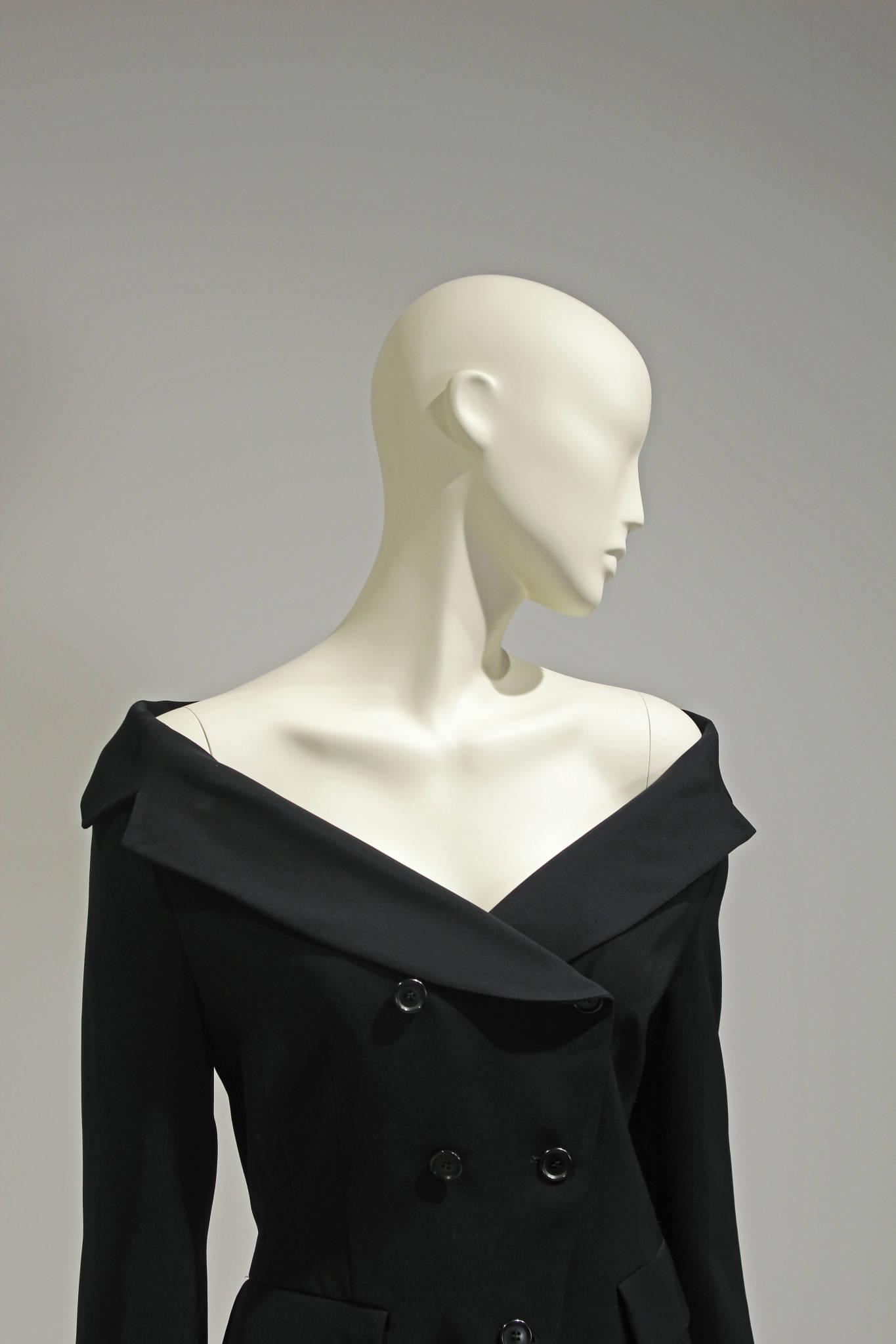 Yndefulde design mannequiner udviklet med inspiration fra de største modehuse - dit sikre valg. Mannequindukker. Skyltdockor