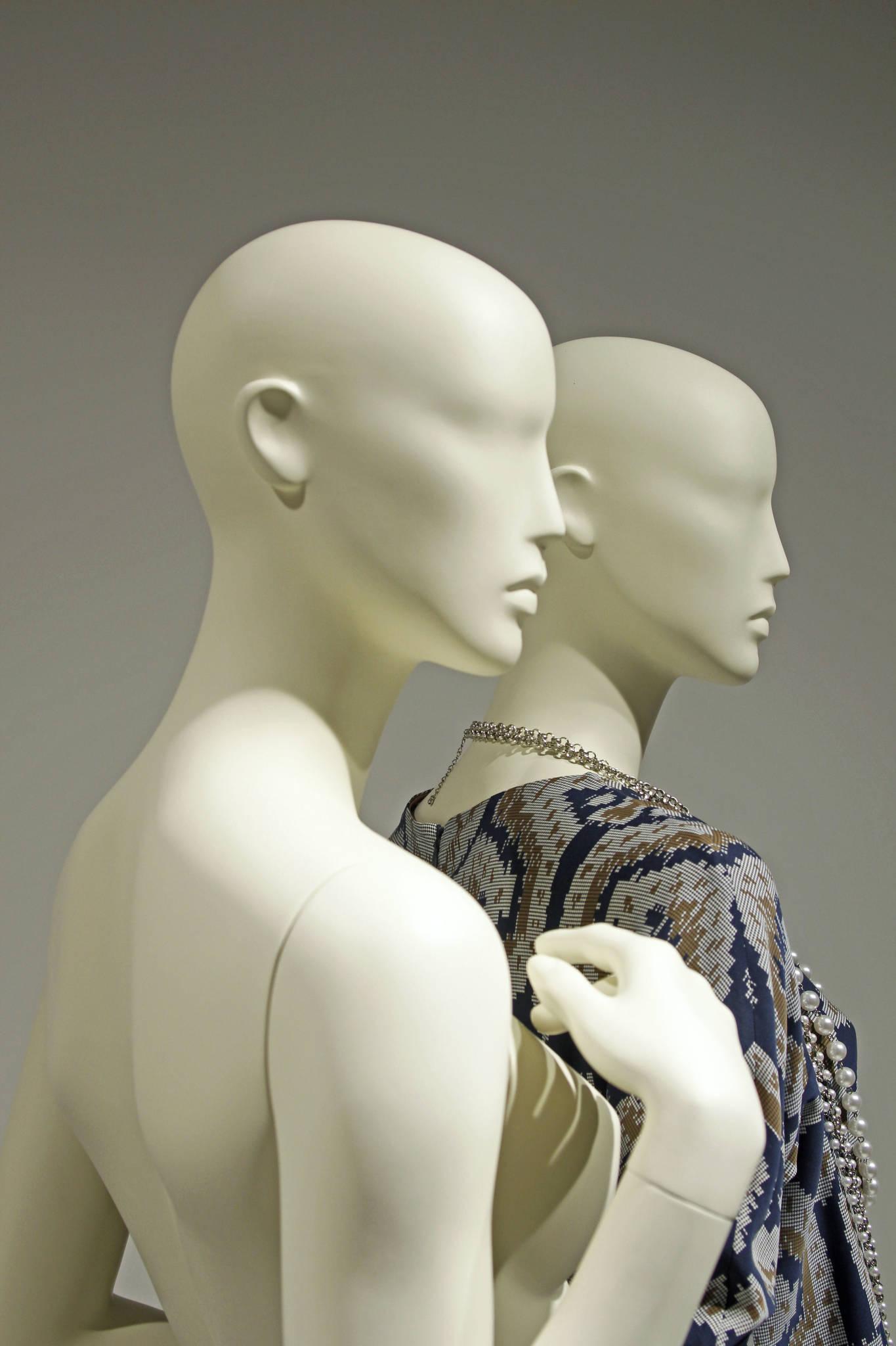 Designmannequiner udviklet til de store modehuse. Mannequindukker i alle färger. Skyltdockor