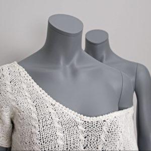 Modegrå dame mannequin hovedløs fra European Mannequins. Hurtig levering. Fås i 6 modeller i alle farver. Konkurrencedygtige priser