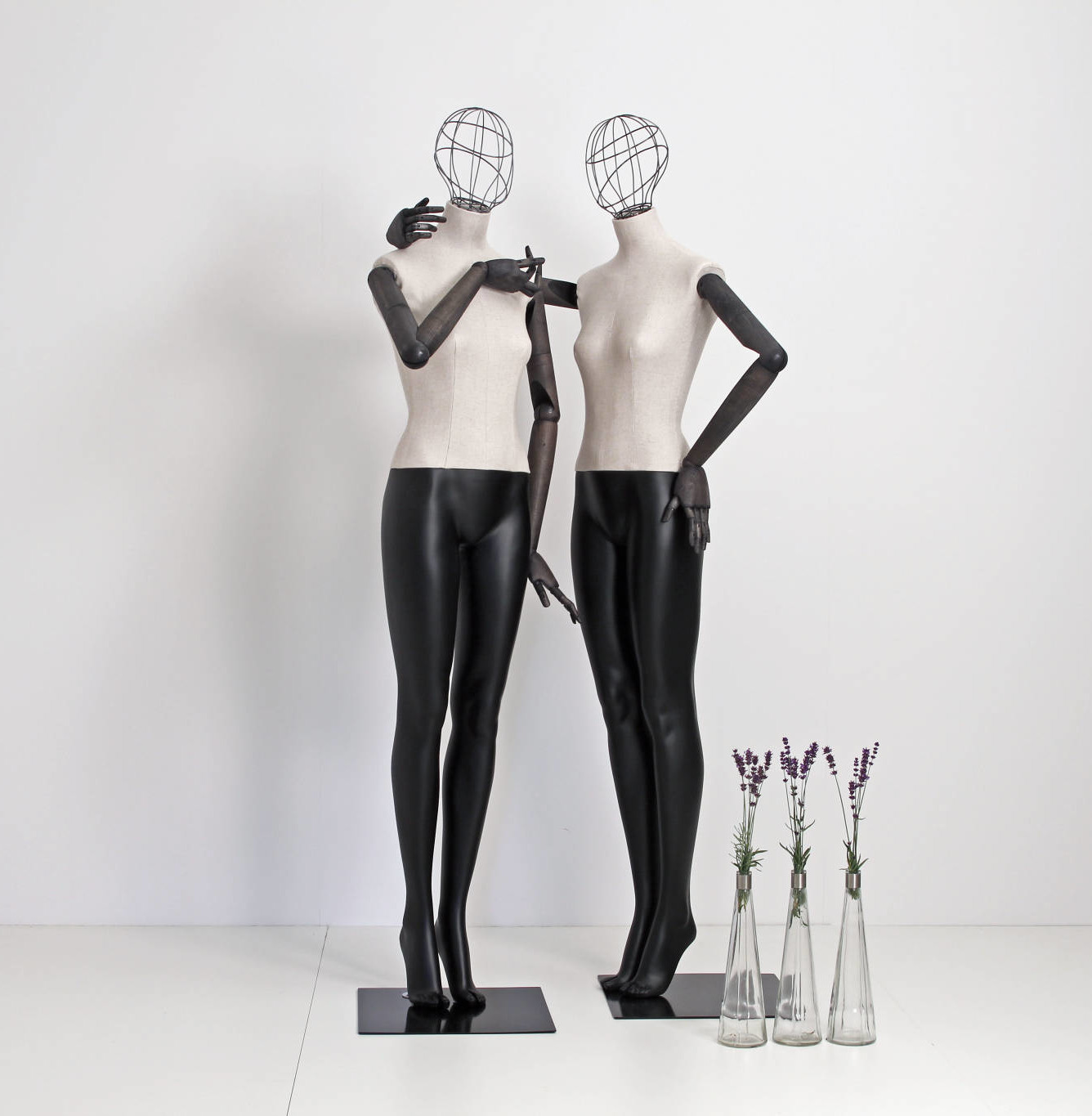 Articulated mannequins with wireheads