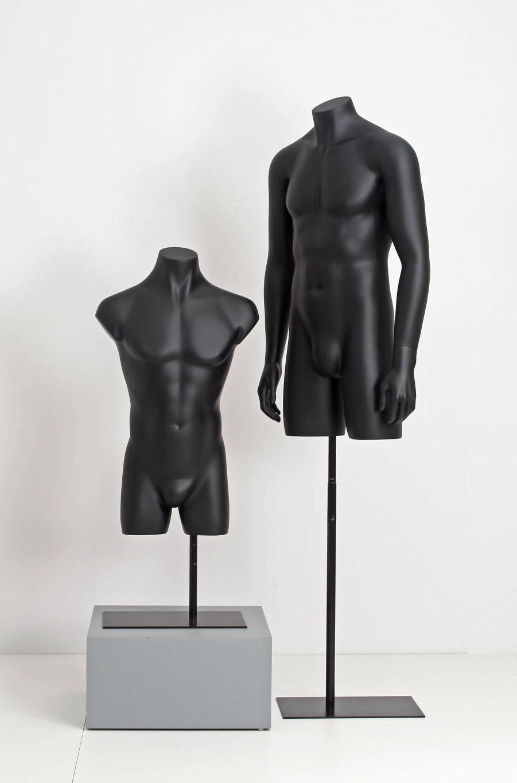 Mannequin torsoer i mat sort overflade