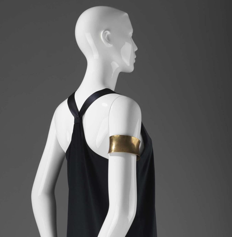 Stilistisk design mannequin, der fås i flere farver og modeller