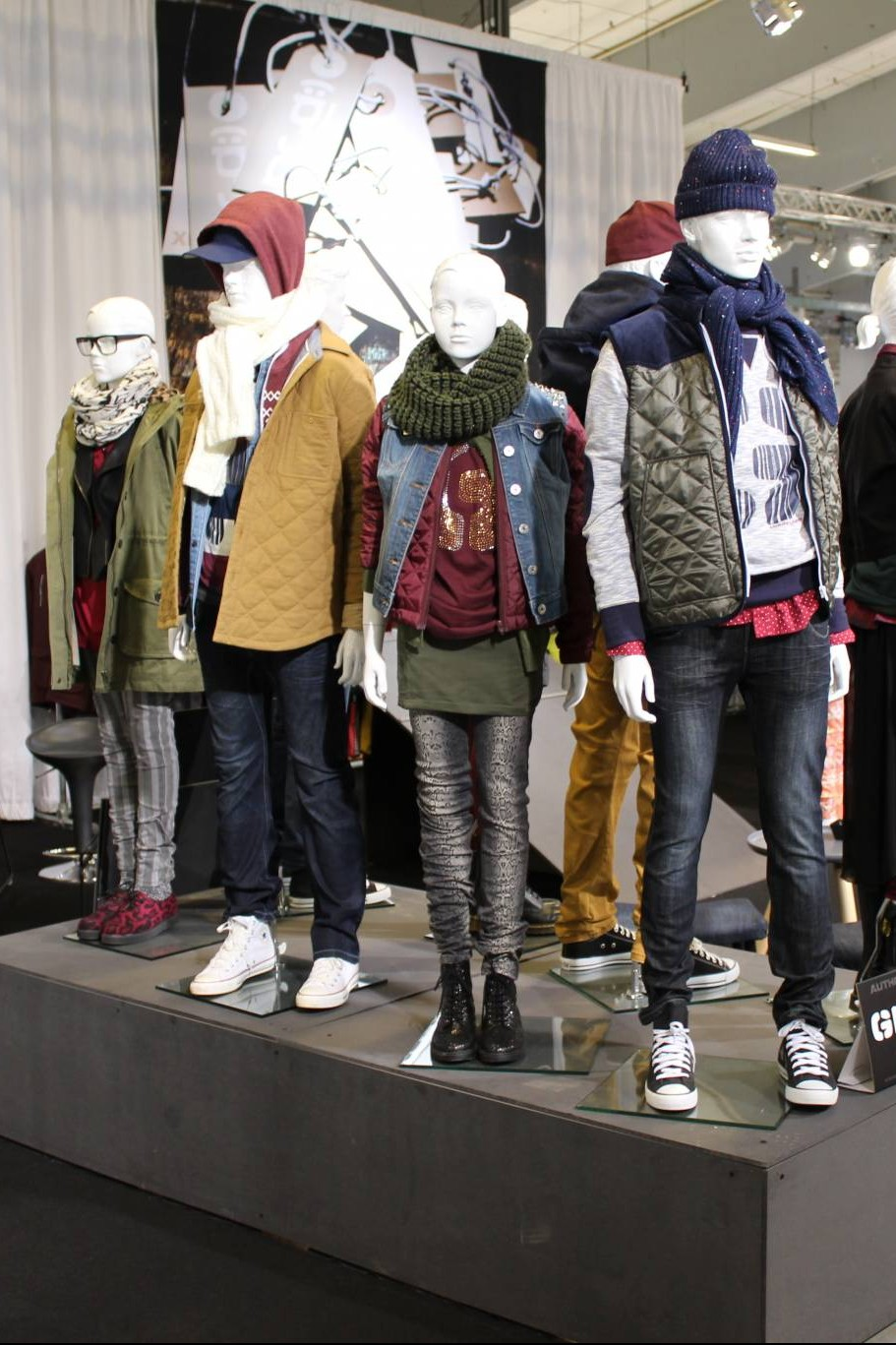 Teenager mannequins boy and girl