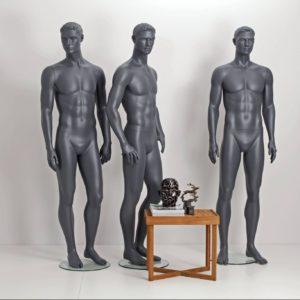 stilistisk herre mannequin modegrå farve. Hurtig levering. Konkurrence dygtige priser. Ring 70 25 25 85. Mange mannequiner på lager.