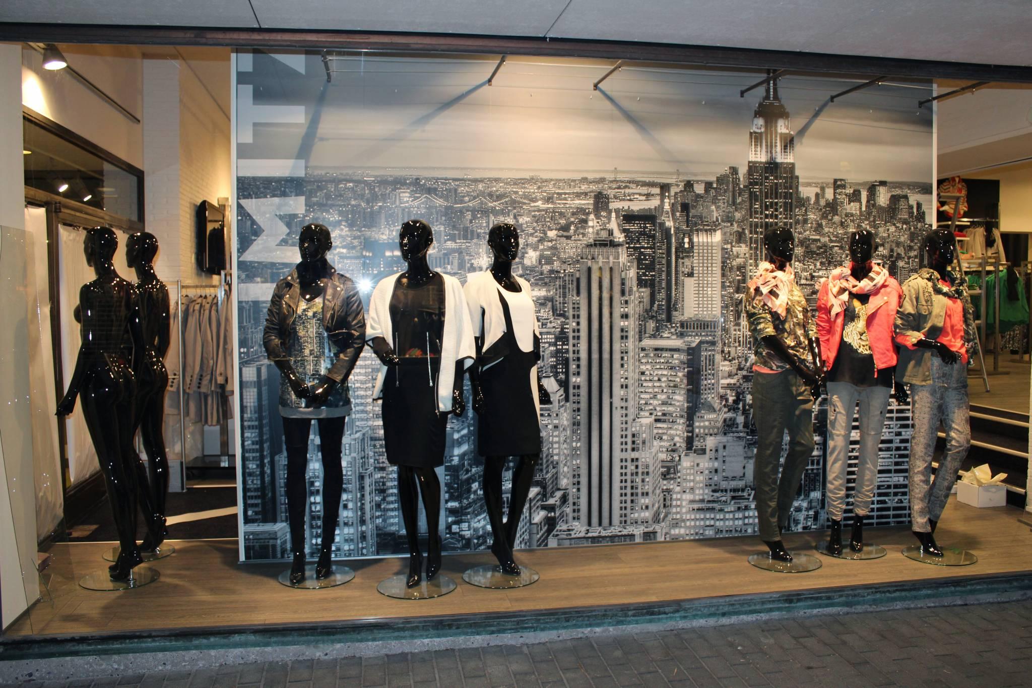 Mannequins foran fotostat
