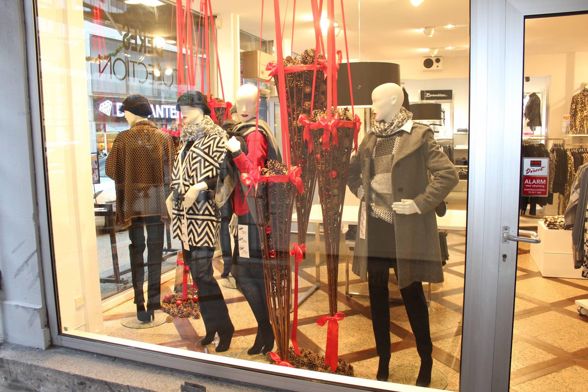 mannequin udstilling. Design mannequiner brugt i jule vindue