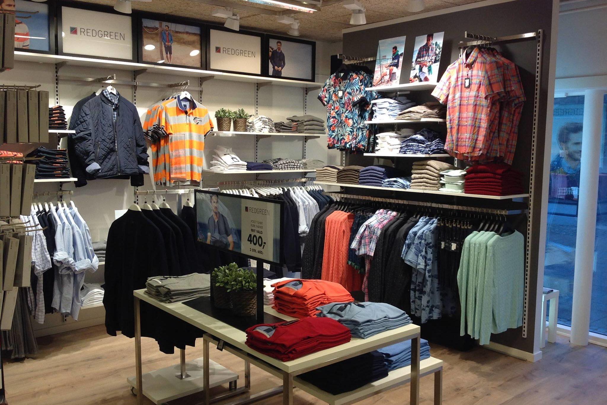 Skjorte afdelinger kan have mange forskellige udtryk, men er en af de vigtigste afdelinger i butikken.