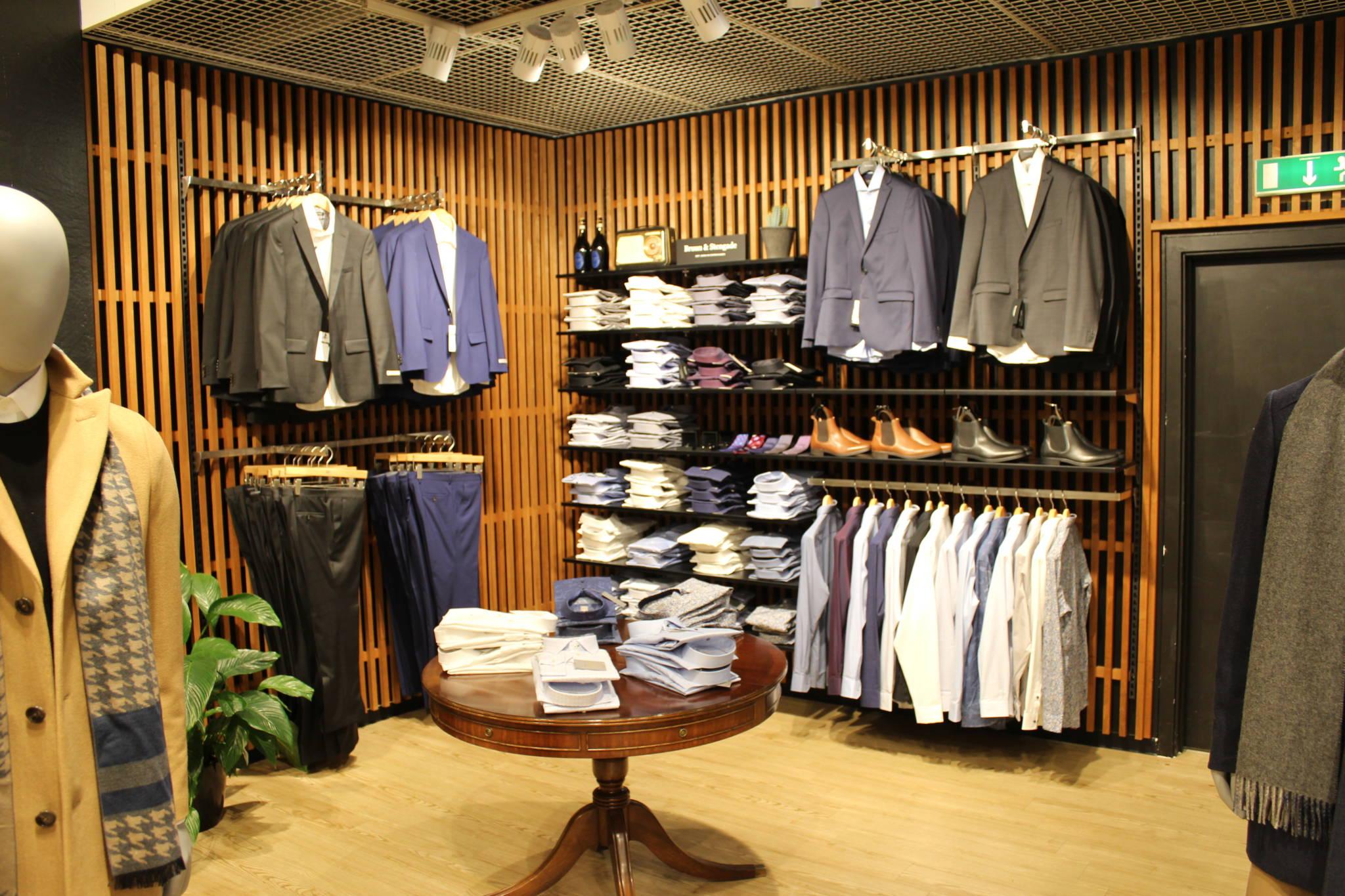 Trendy herrebutik med mange miljøer