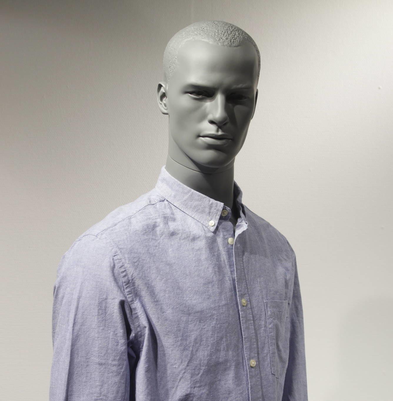 stilistik herre mannequiner i flot modegrå farve