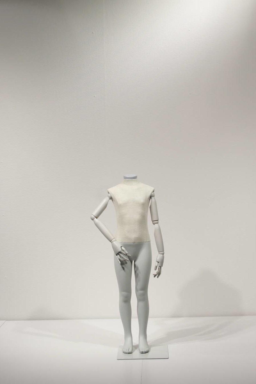 Hovedløs vintage mannequin i børne størreelse
