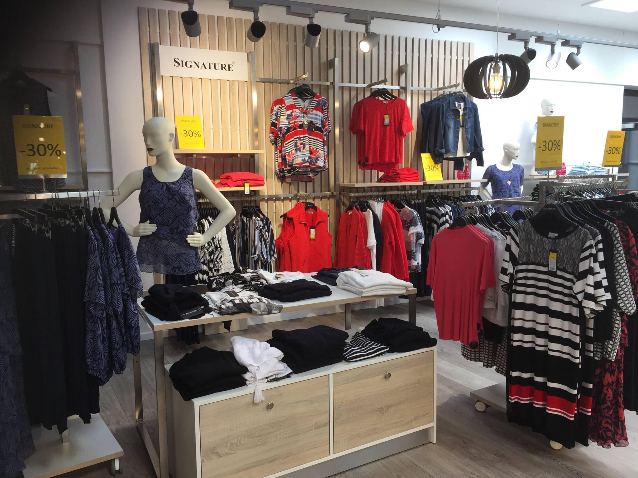 Flot butiksinventar med lamelvægge som er udviklet specielt til inventarsystemet First