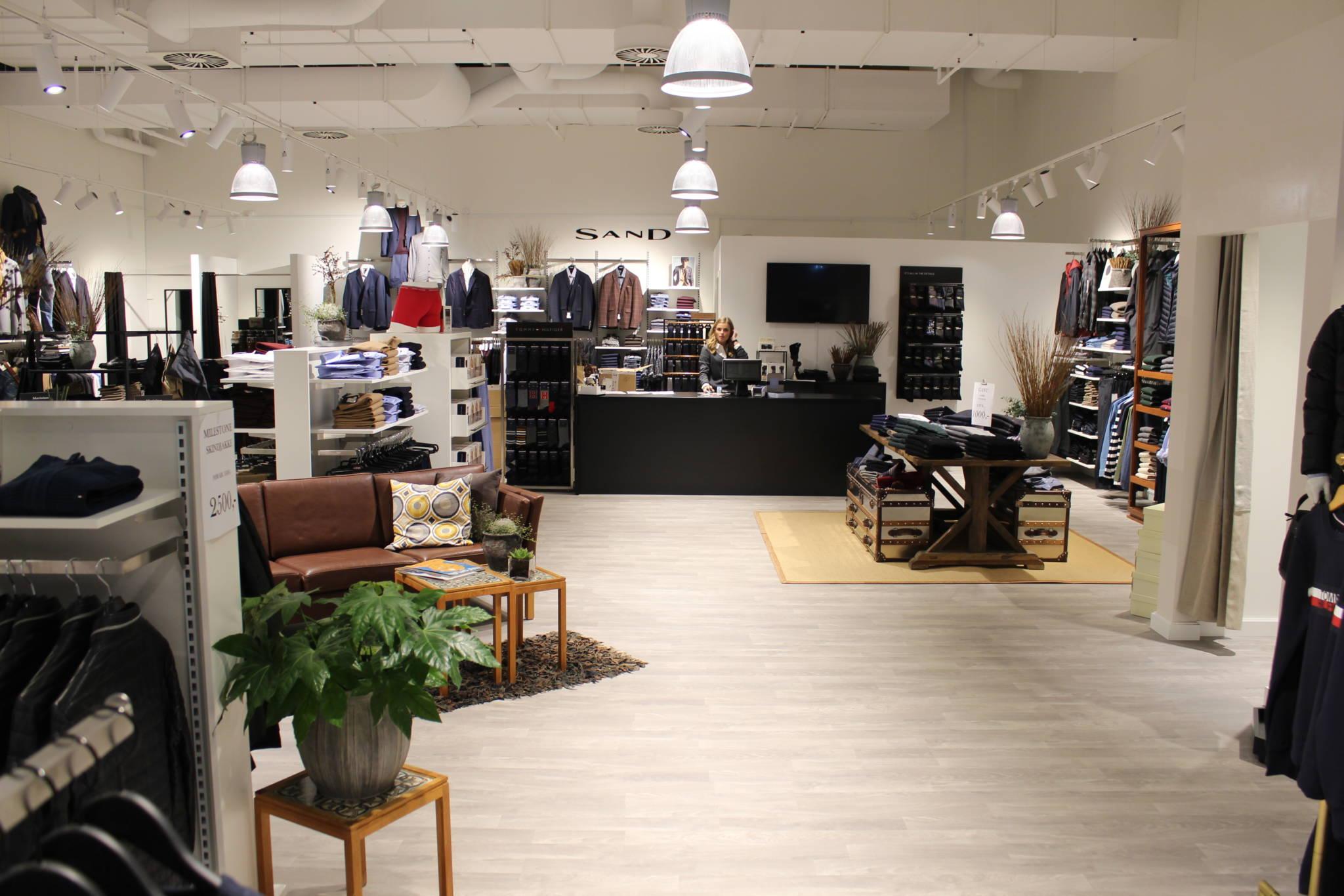 mister Mr. herrebutik med god plads. Butiksindretning og butiksinventar
