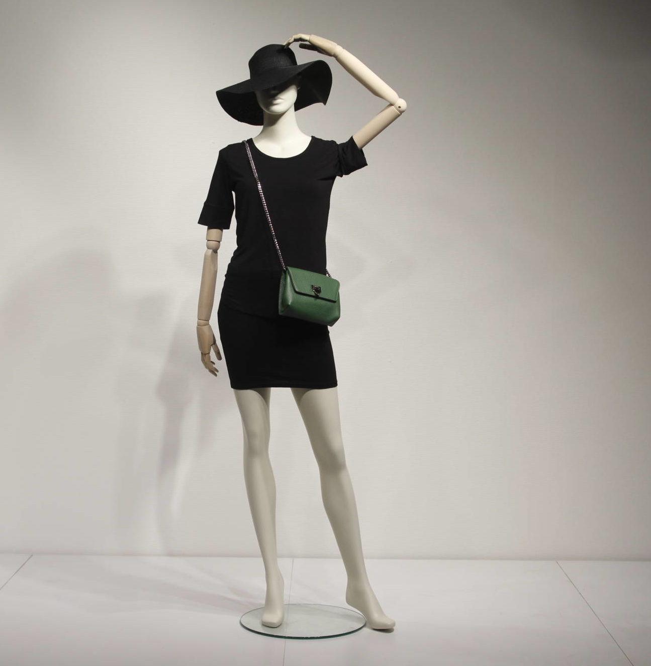 Elegante dame mannequiner med fleksible træarme. Vintage look. Feminint og stilfuld.