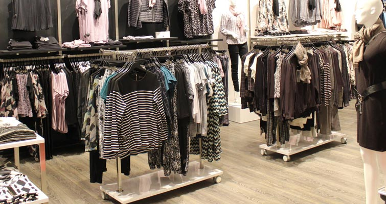 Tøjstativer til butik