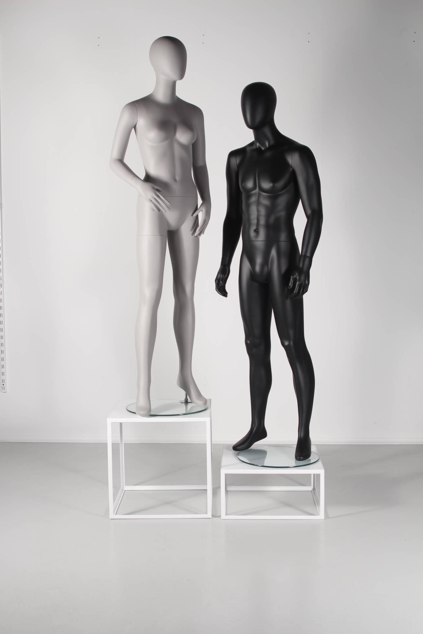 mannequin podie i hvid eller sort