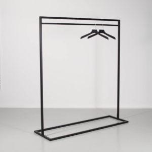 sort stativ til tøj