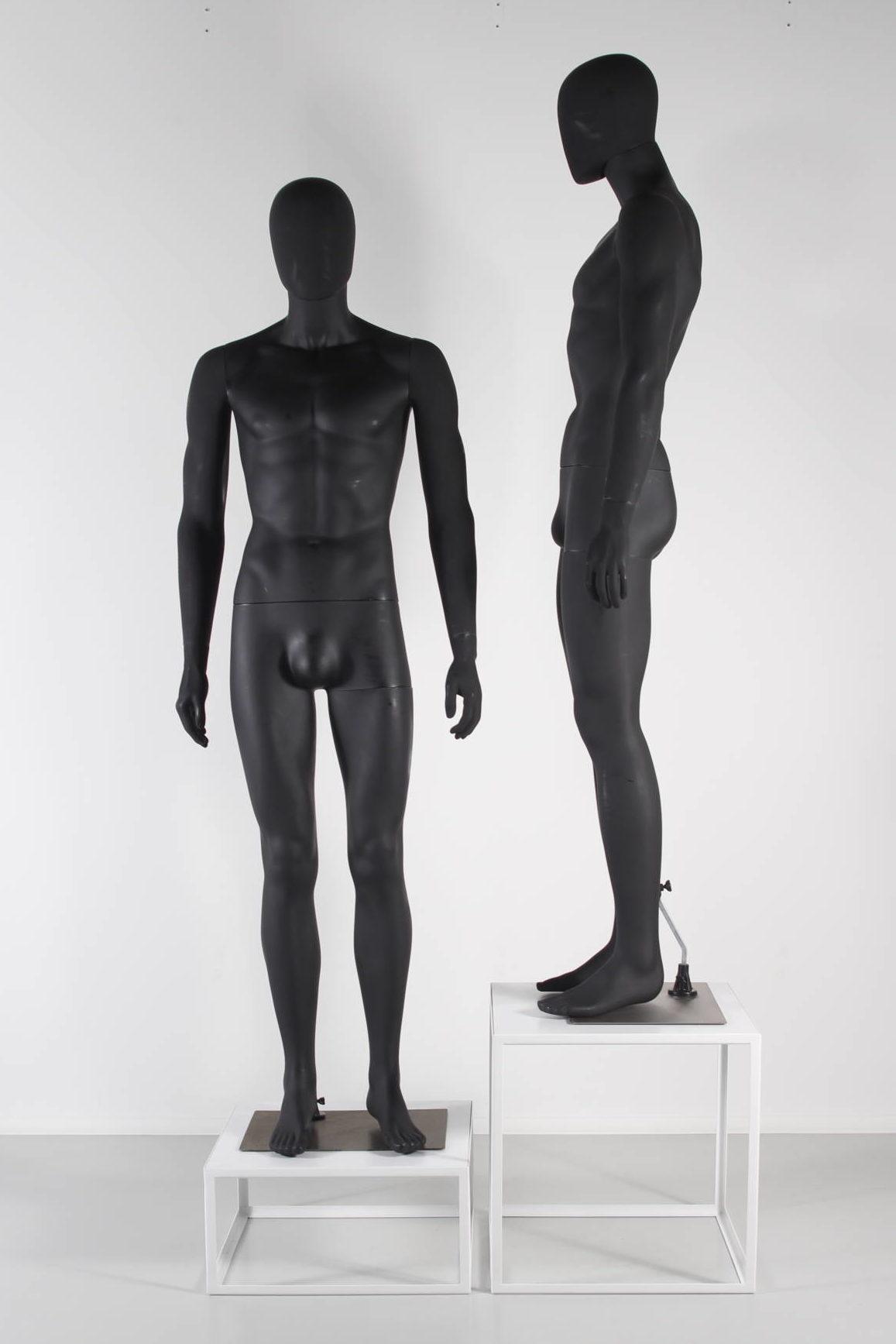 billige sorte plastik mannequiner