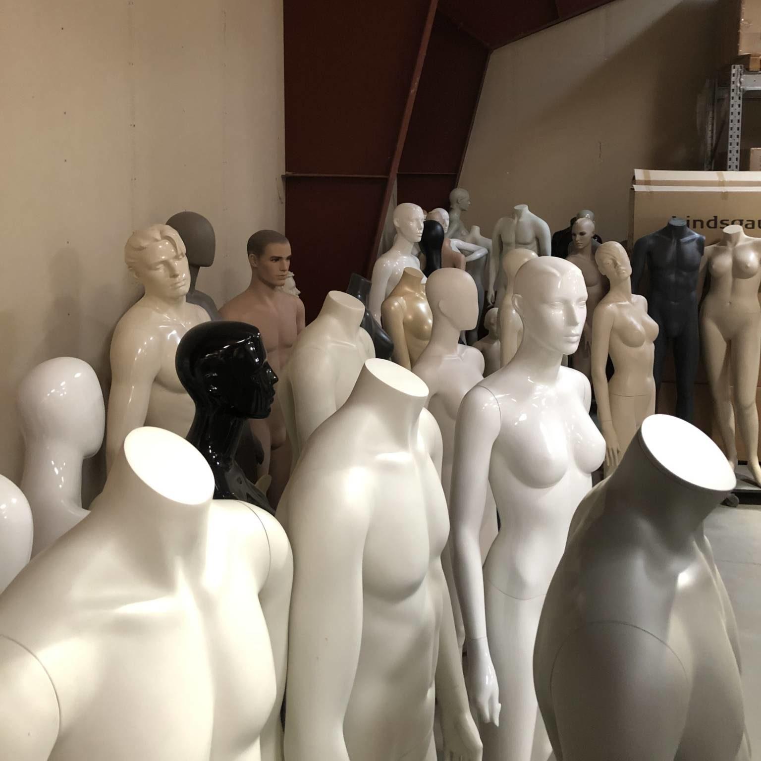 Stort udvalg af udlejnings mannequiner