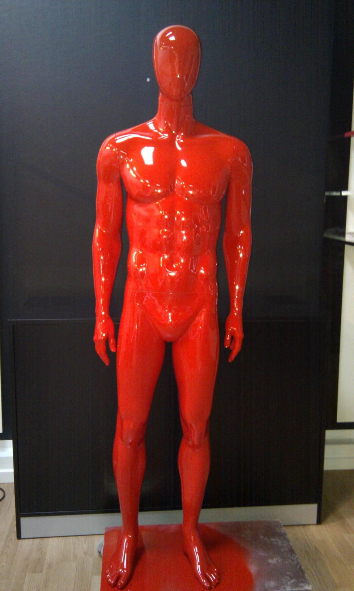 Ferrarirød herremannequin