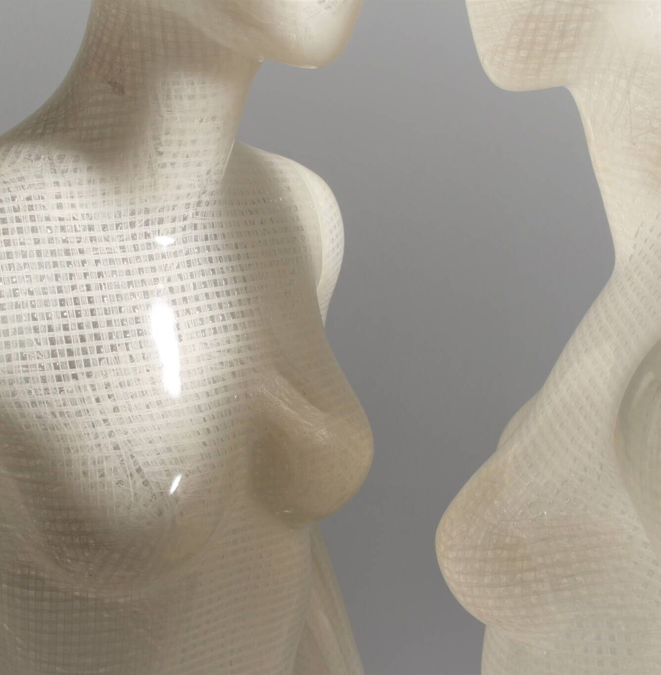 Sustainable mannequin made of raffia bast and bio resin