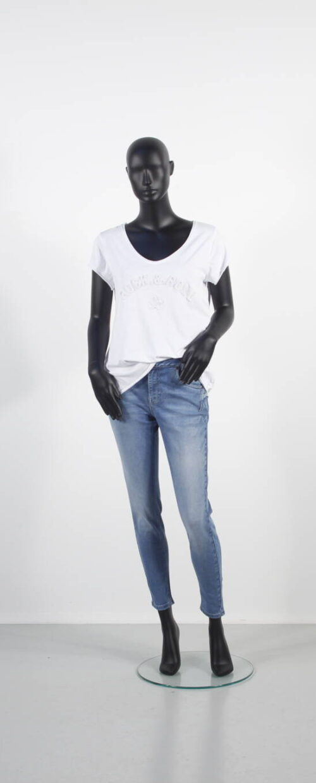 dame mannequin til tøjbutikken