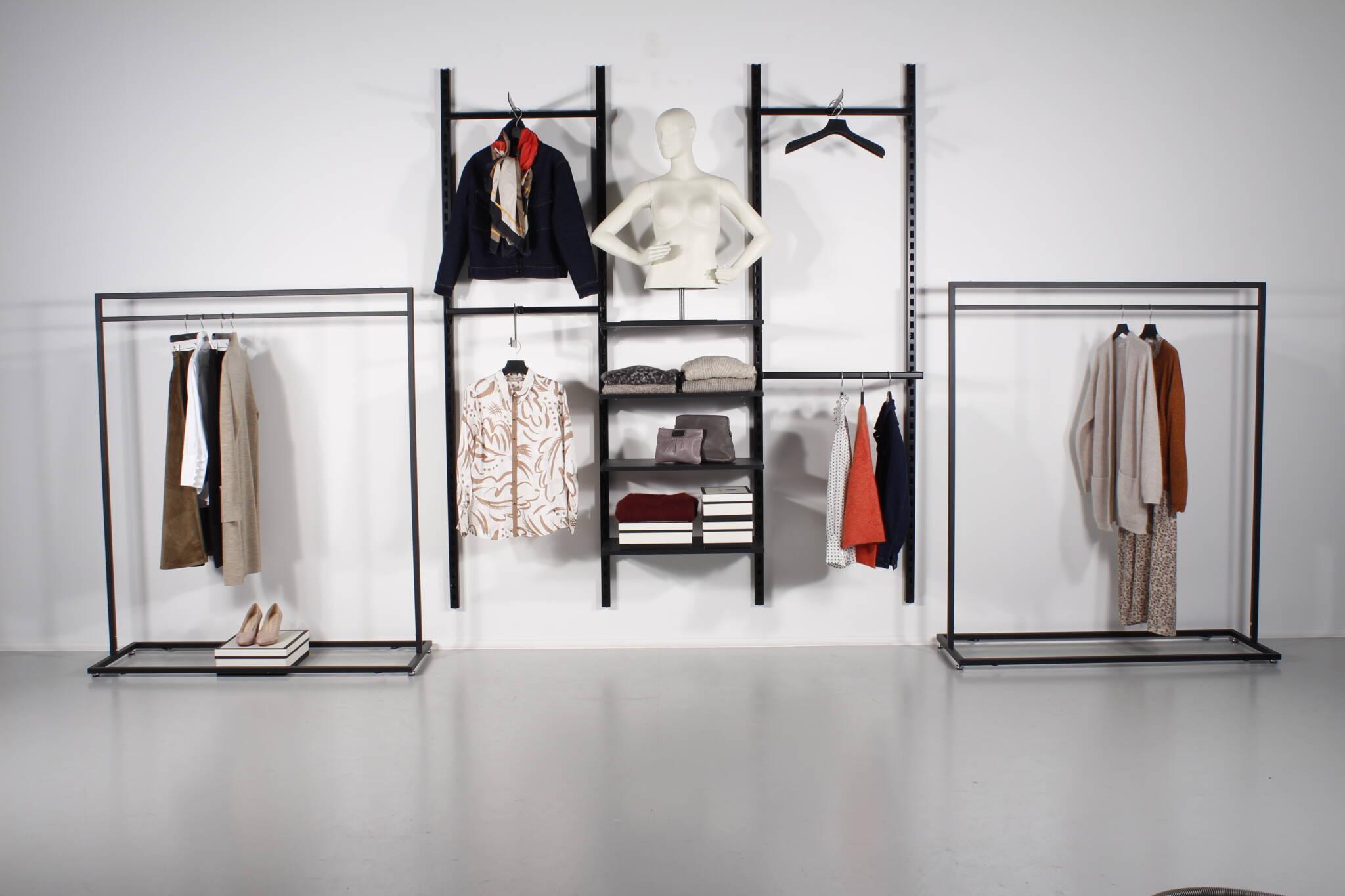 Væginventar kombineret med designer tøjstativer