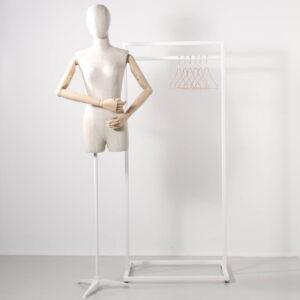 vintage torso på hvidt stativ
