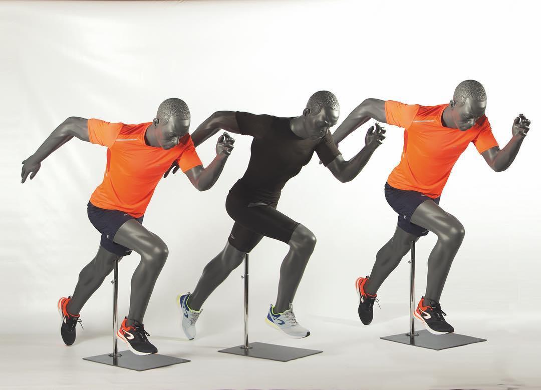 Løbere som sprinter. Sportsmannequin